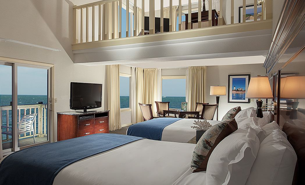 Ocean Mist Beach Hotel & Suites - Loft Suite - Ocean View - Two Queens With Sleeper Sofa And Kitchenette