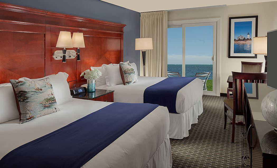Ocean Mist Beach Hotel & Suites - Ocean Front Two Queens