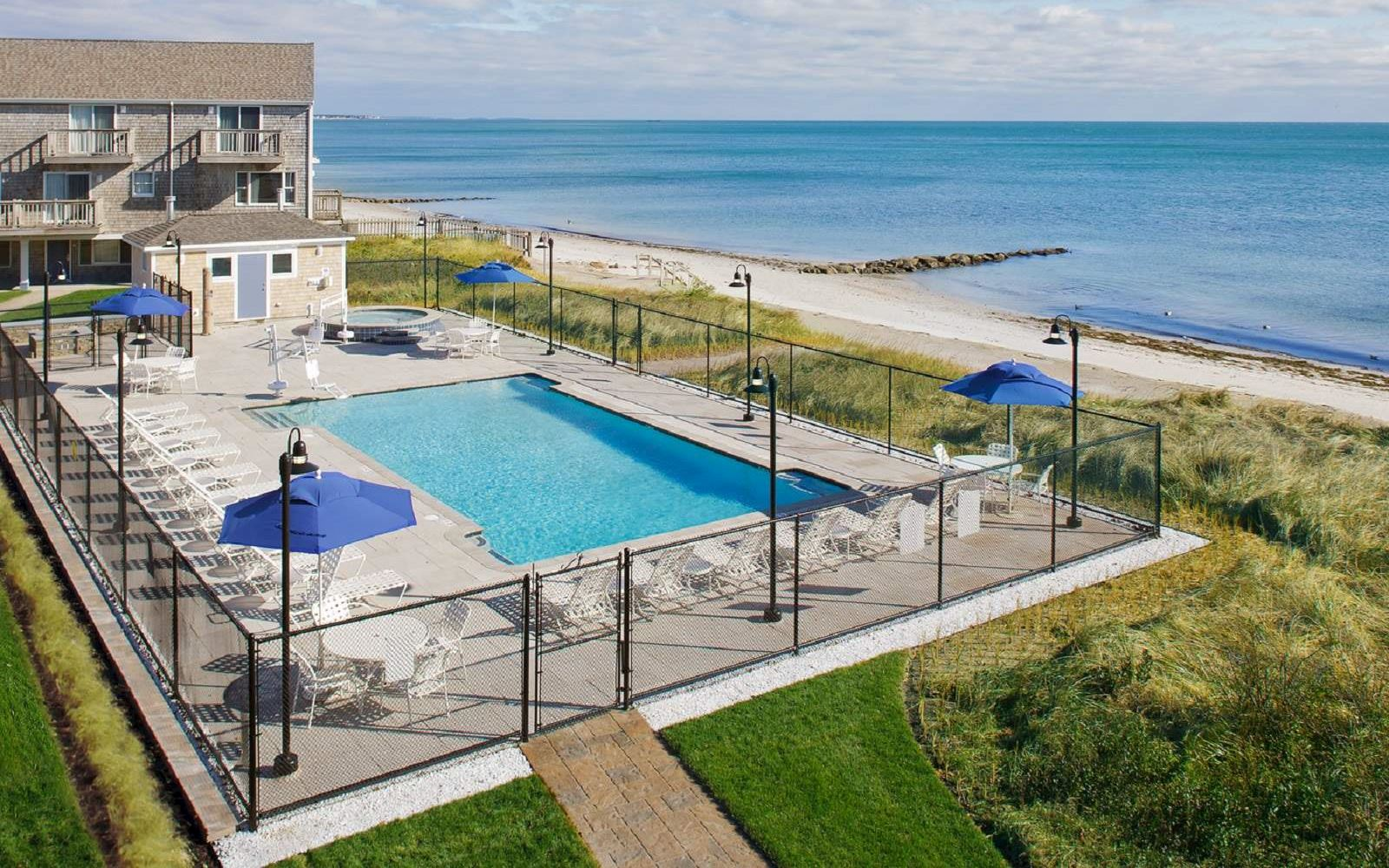 Cape Cod Hotels >> Cape Cod Hotel With Pools Ocean Mist Beach Hotel Suites