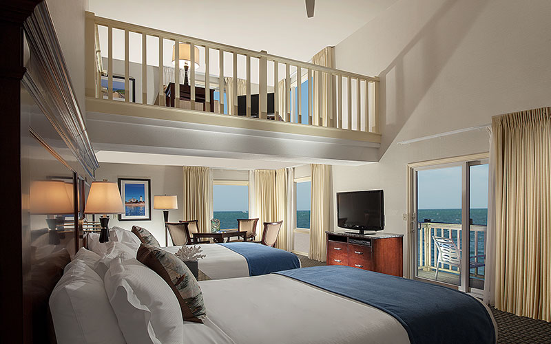 Ocean Mist Beach Hotel & Suites, Massachusetts - Loft Suite 201 - Ocean Front - Two Queens With Sleeper Sofa, Kitchenette