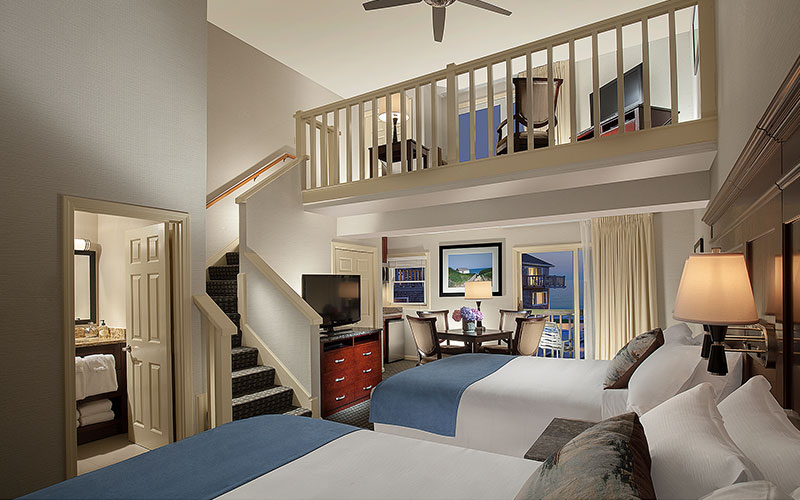 Ocean Mist Beach Hotel & Suites, Massachusetts - Loft Suite - Courtyard View - Two Queens With Sleeper Sofa And Kitchenette